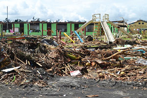A destroyed school on the outskirts of Tacloban on Leyte island. This region was the worst affected by the typhoon, causing widespread damage and loss of life. (Photo: Eoghan Rice - Trócaire / Caritas https://www.flickr.com/photos/trocaire/10881983635/in/photostream/)